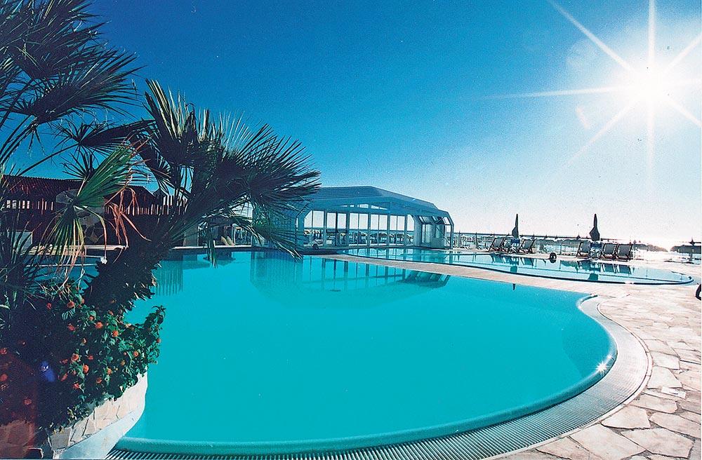 Vacanze all inclusive a milano marittima con piscina in spiaggia - Hotel con piscina coperta milano marittima ...